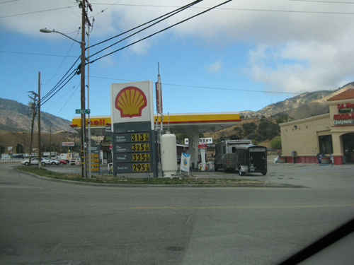 gas station at lebec